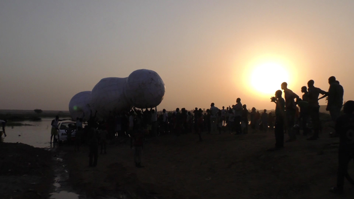 images/stories/site_yoyo/performances/nuage_niamey_goudel
